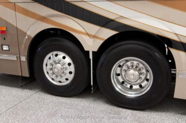 a motorhome that is pure luxury on wheels 640 48 pictures