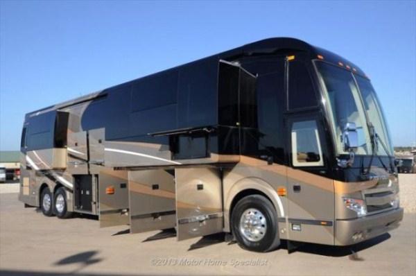 a motorhome that is pure luxury on wheels 640 58 Pure Luxury on Wheels (59 photos)