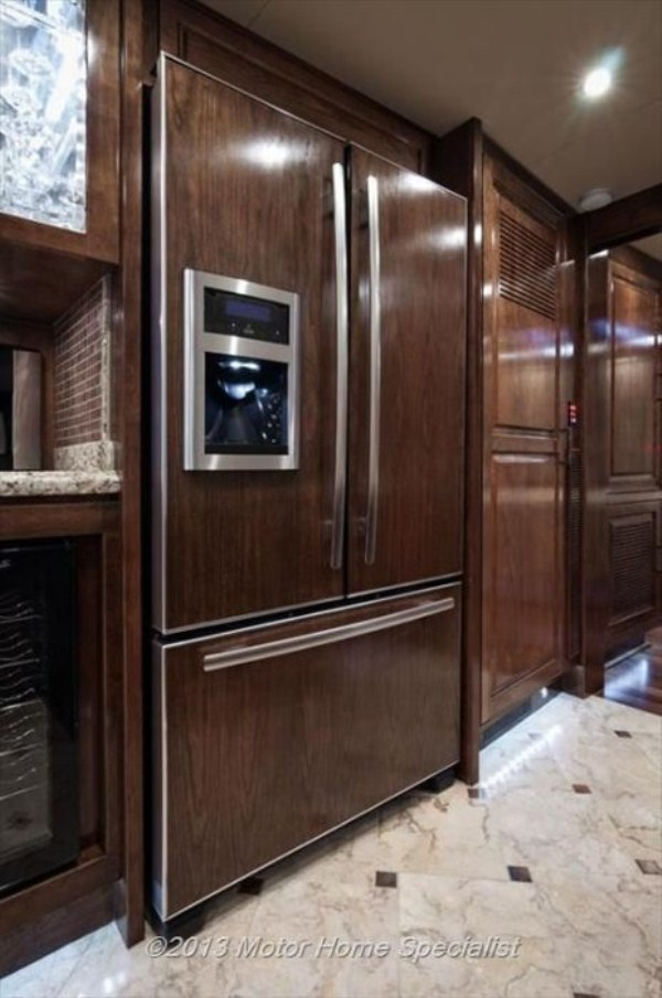 a motorhome that is pure luxury on wheels 640 high 17 pictures