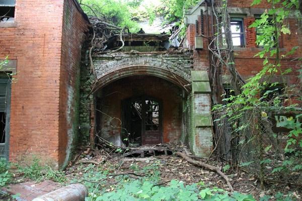 abandoned-new-york-003-08152013