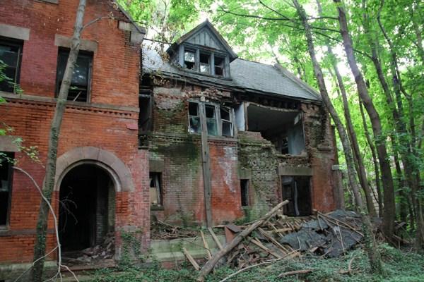 abandoned-new-york-019-08152013