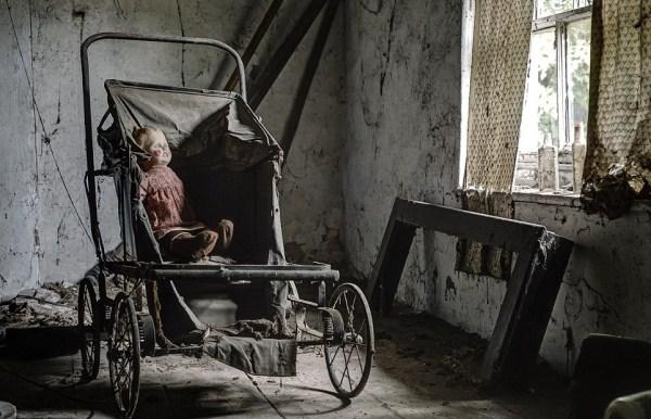 doctors abandoned mansion (15)
