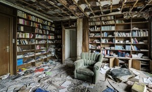 Inside Doctor's Abandoned Mansion (18 photos) 16