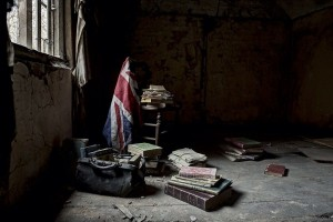 Inside Doctor's Abandoned Mansion (18 photos) 18