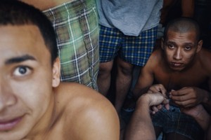 Overcrowded Prison in El Salvador (17 photos) 16