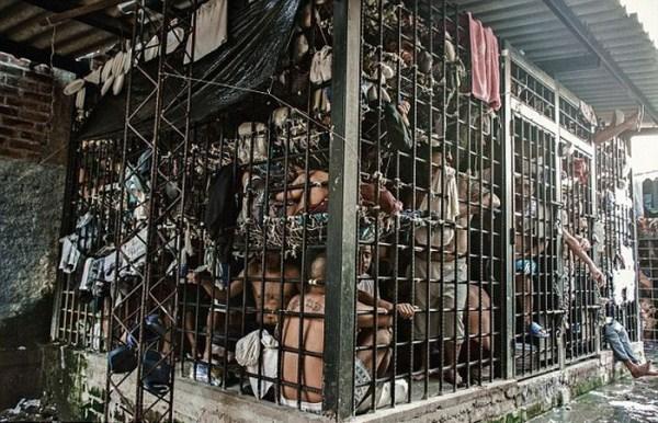 prison-in-el-salvador-4