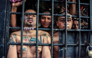 Overcrowded Prison in El Salvador (17 photos) 5