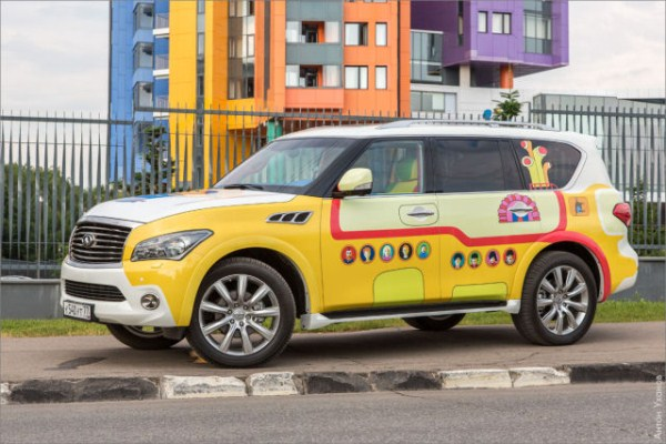 "Infiniti QX56 ""Yellow Submarine"" (20 photos) 1"
