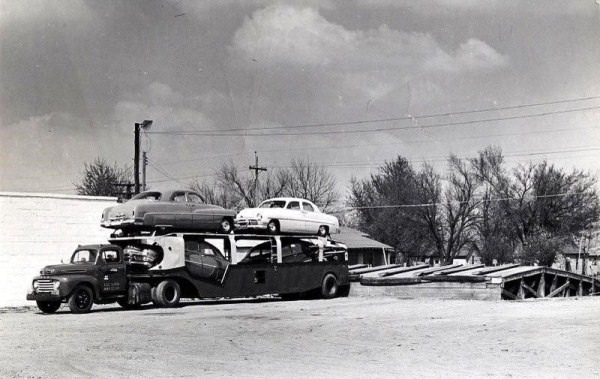vintage-american-car-transporters-11