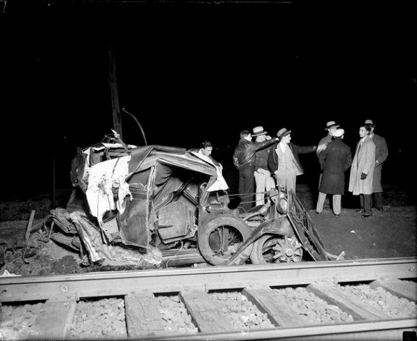 vintage car accidents 171 Old Photos of Car Accidents (51 photos)