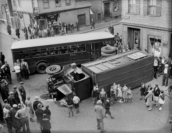 vintage car accidents 181 Old Photos of Car Accidents (51 photos)