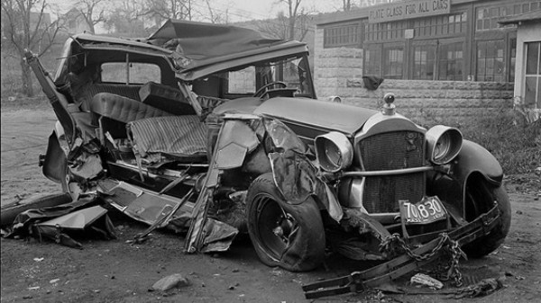 vintage car accidents 211 Old Photos of Car Accidents (51 photos)
