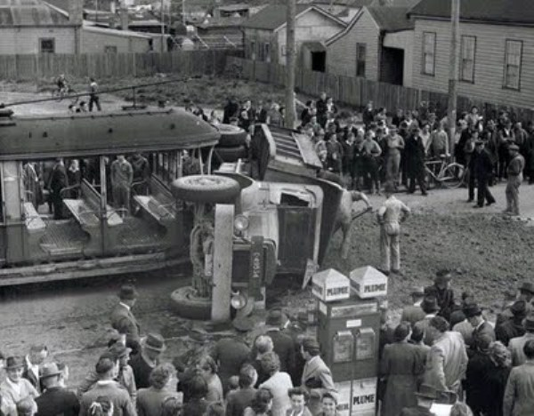 vintage car accidents 301