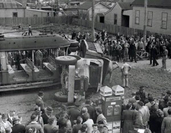 vintage car accidents 301 pictures