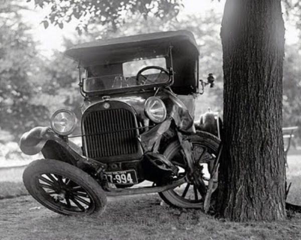 vintage car accidents 341