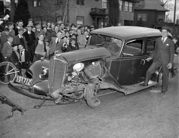 vintage car accidents 351 Old Photos of Car Accidents (51 photos)
