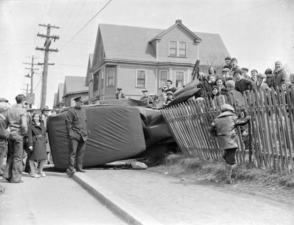 vintage car accidents 401
