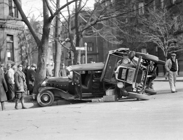 vintage car accidents 461 Old Photos of Car Accidents (51 photos)