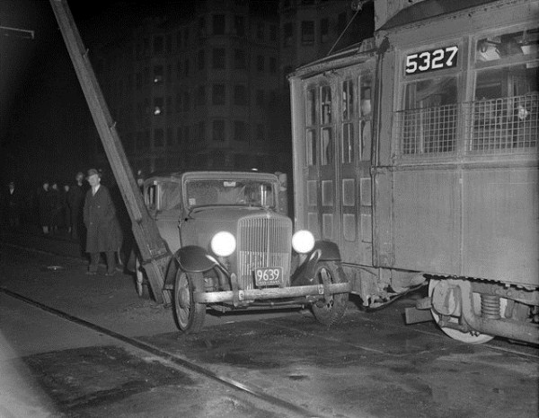 vintage car accidents 491 Old Photos of Car Accidents (51 photos)