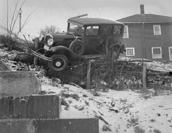 vintage car accidents 61 pictures