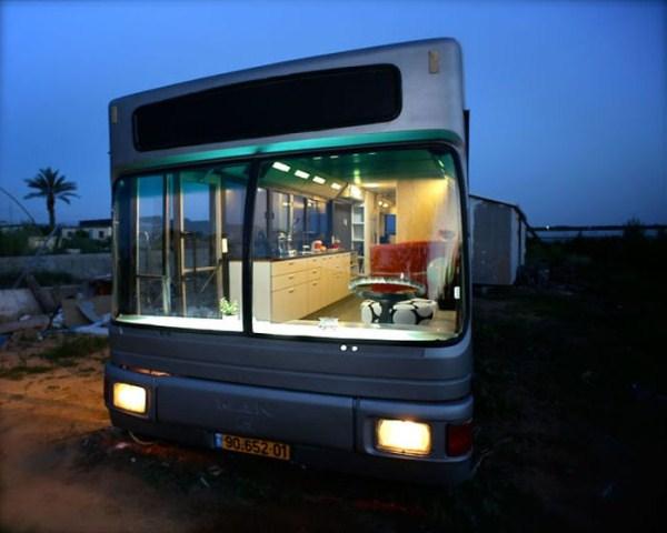 women_turn_a_scrapyard_bus_into_a_stylish_home_06_1