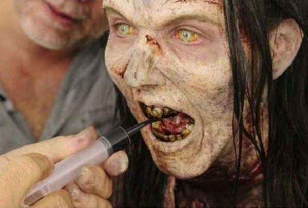 Hollywood Zombie Transformation (10 photos) 6