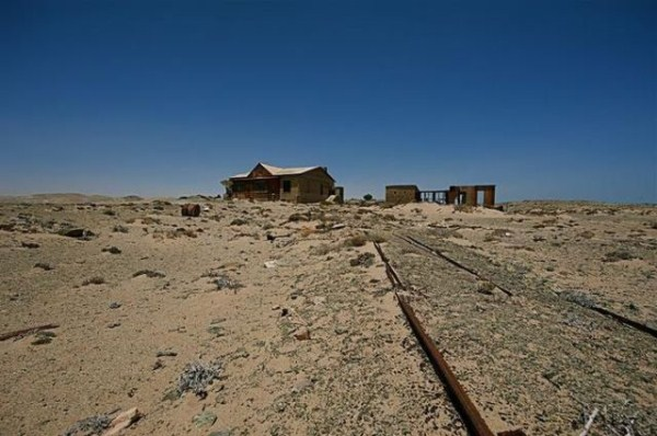 a_selection_of_eerie_reallife_ghost_towns_worldwide_640_19