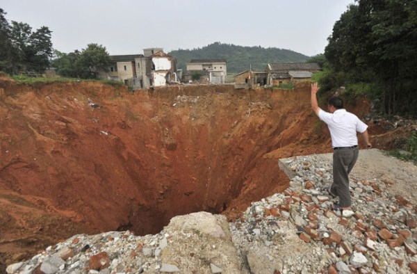 an_impressive_assortment_of_sinkhole_pictures_640_17