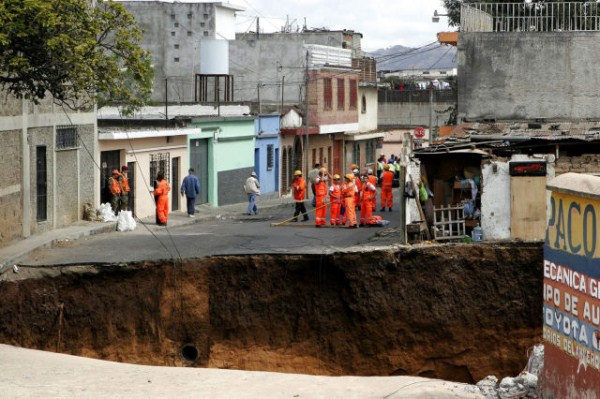 an_impressive_assortment_of_sinkhole_pictures_640_24