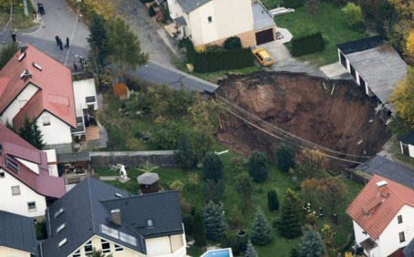 an_impressive_assortment_of_sinkhole_pictures_640_28