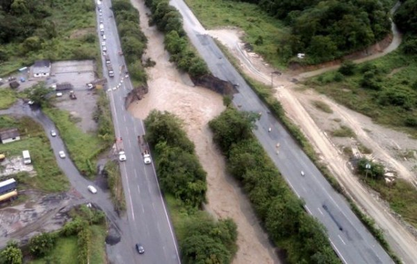 an_impressive_assortment_of_sinkhole_pictures_640_29