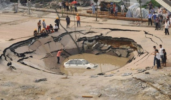 an_impressive_assortment_of_sinkhole_pictures_640_30