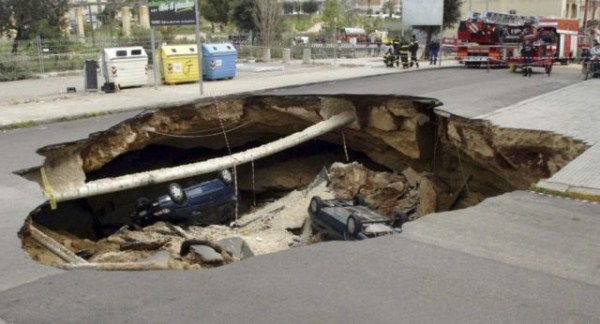 an_impressive_assortment_of_sinkhole_pictures_640_34