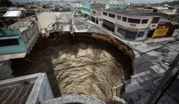 an_impressive_assortment_of_sinkhole_pictures_640_40