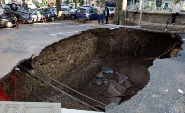 an_impressive_assortment_of_sinkhole_pictures_640_43