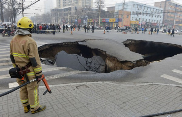 an_impressive_assortment_of_sinkhole_pictures_640_50