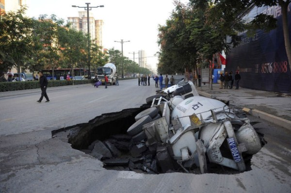 an_impressive_assortment_of_sinkhole_pictures_640_56