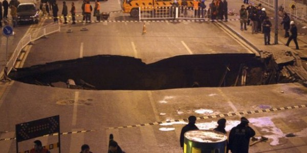 an_impressive_assortment_of_sinkhole_pictures_640_66