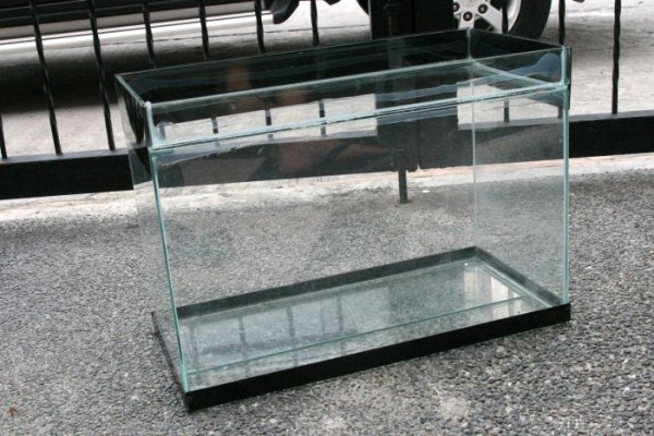 fish-tank-made-out-of-an-old-tv-12