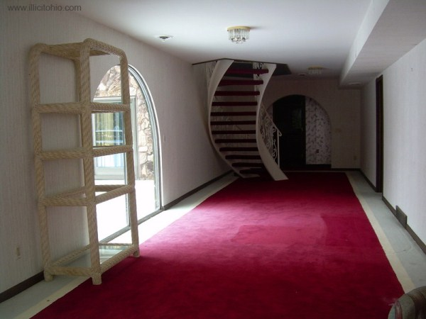 mike tyson mansion 28 Mike Tysons Abandoned Mansion (58 photos)