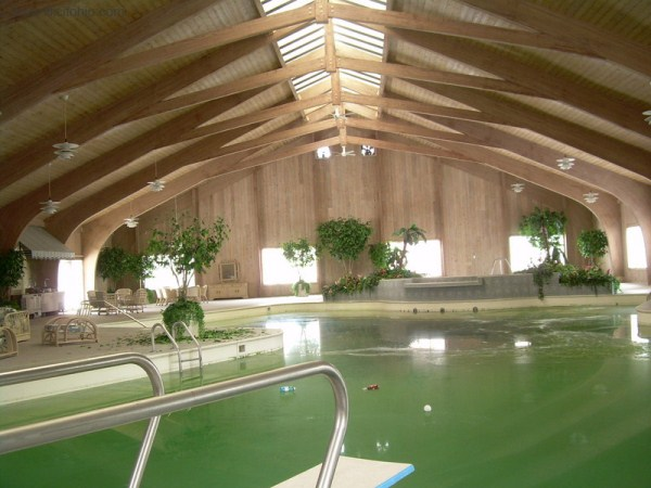 mike tyson mansion 4 Mike Tysons Abandoned Mansion (58 photos)