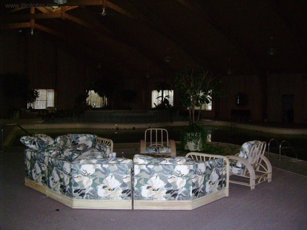 mike tyson mansion 57 Mike Tysons Abandoned Mansion (58 photos)