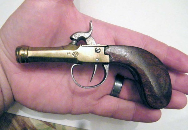 Antique Guns Designed for Women (25 photos) 1