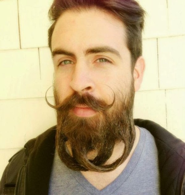 this_mans_beard_can_do_crazy_things_640_11