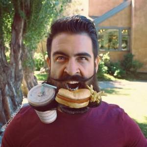 The Guy with an Incredible Beard (22 photos) 20