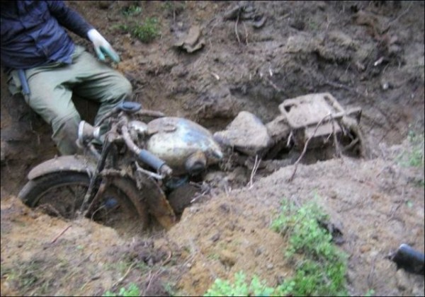 WW2 Motorcycle Swallowed by the Forest (8 photos) 5