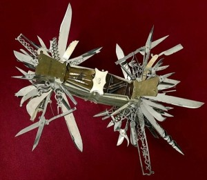The Mother Of All Swiss Army Knives (7 photos) 4