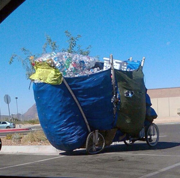 Moving Stuff That Isn't Supposed To Fit (28 photos) 28