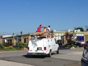Moving Stuff That Isn't Supposed To Fit (28 photos) 9