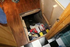 Secret Basement Found in England (13 photos) 5